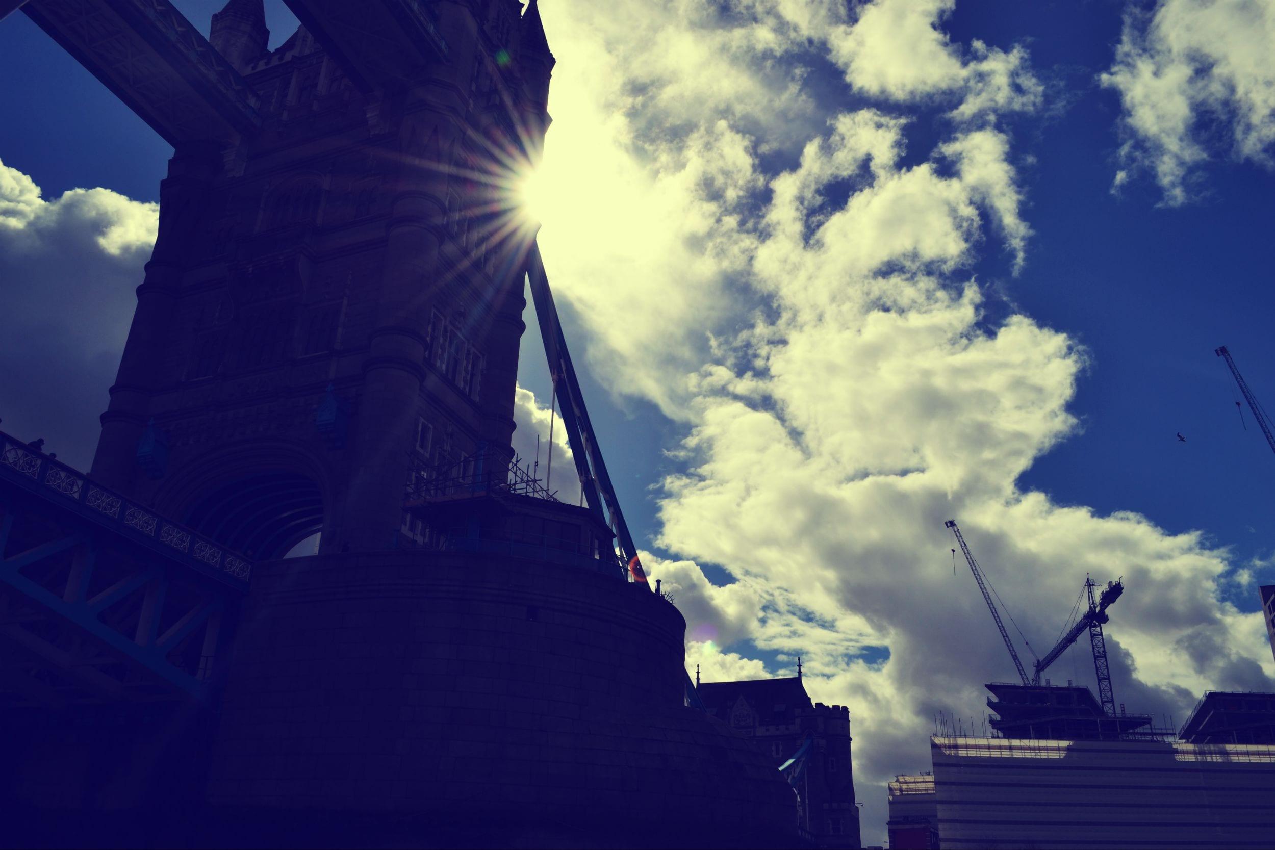 Towerbridge von der Themse aus