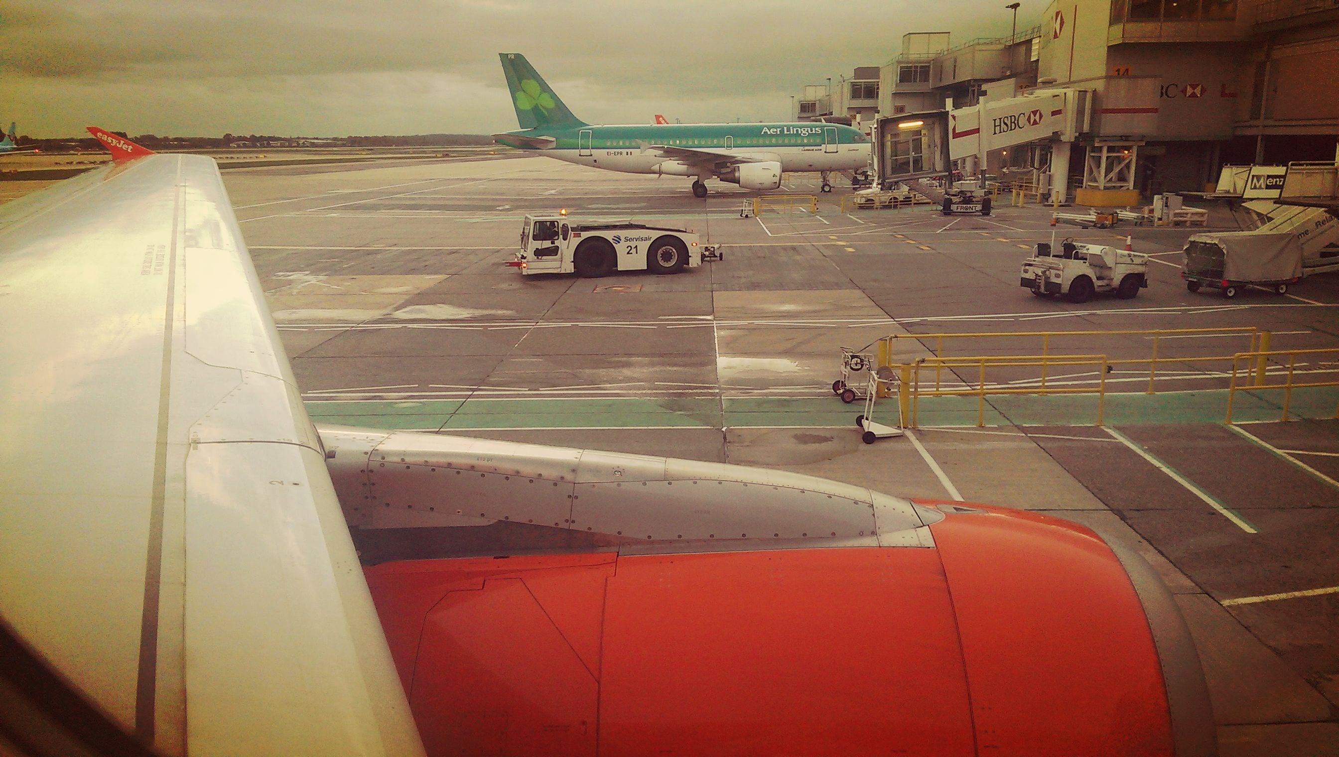 Vom Airport Gatwick ist ein Transfer nach London ganz einfach und vielseitig möglich