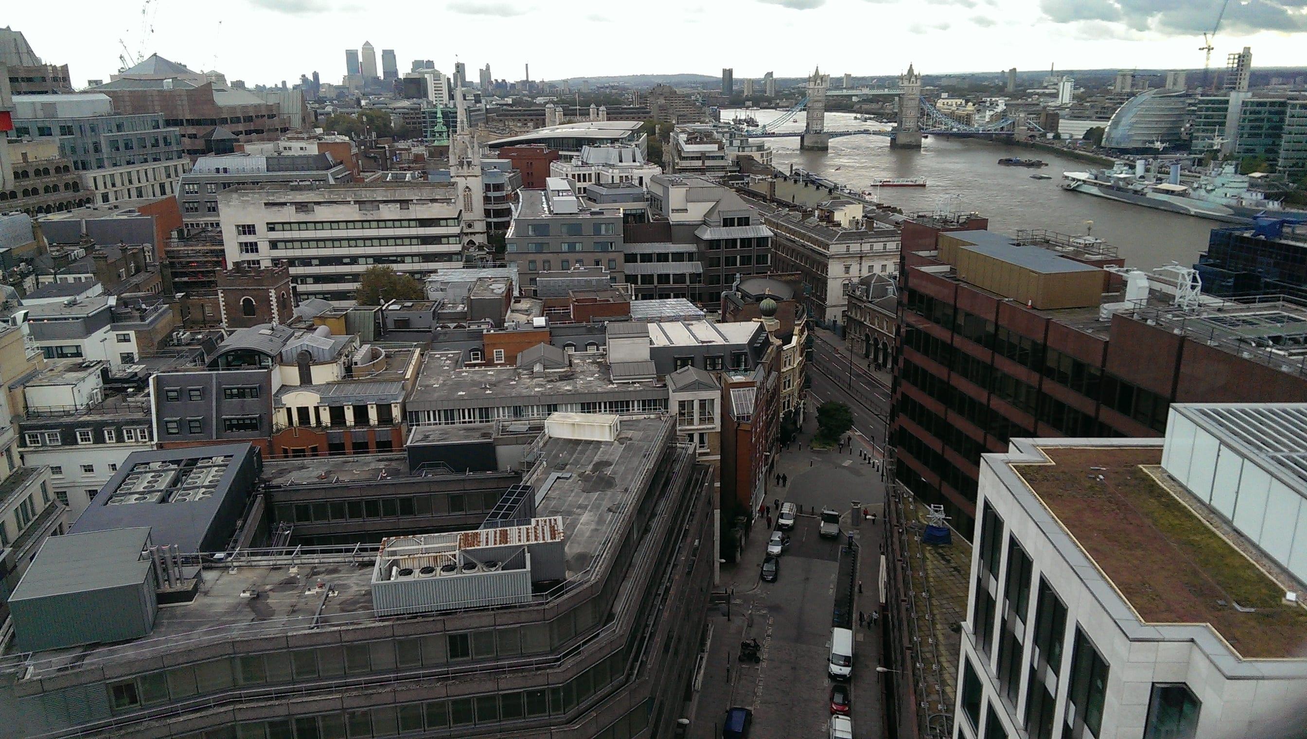 Fantastische Sicht über ganz London und auf die Tower Bridge