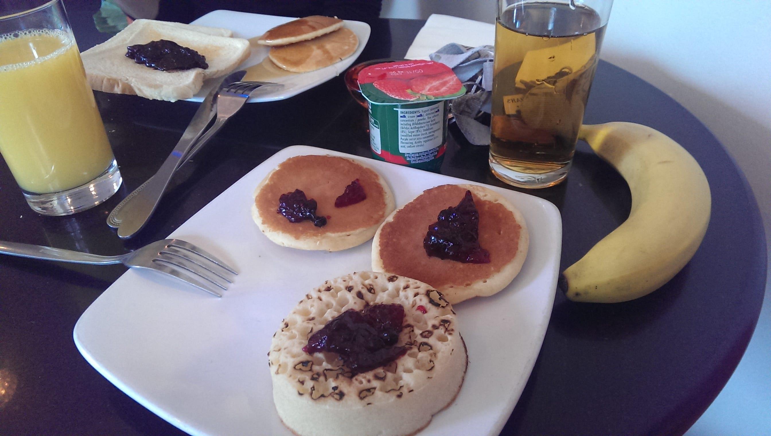 Tommy Miahs Raj Hotel Breakfast