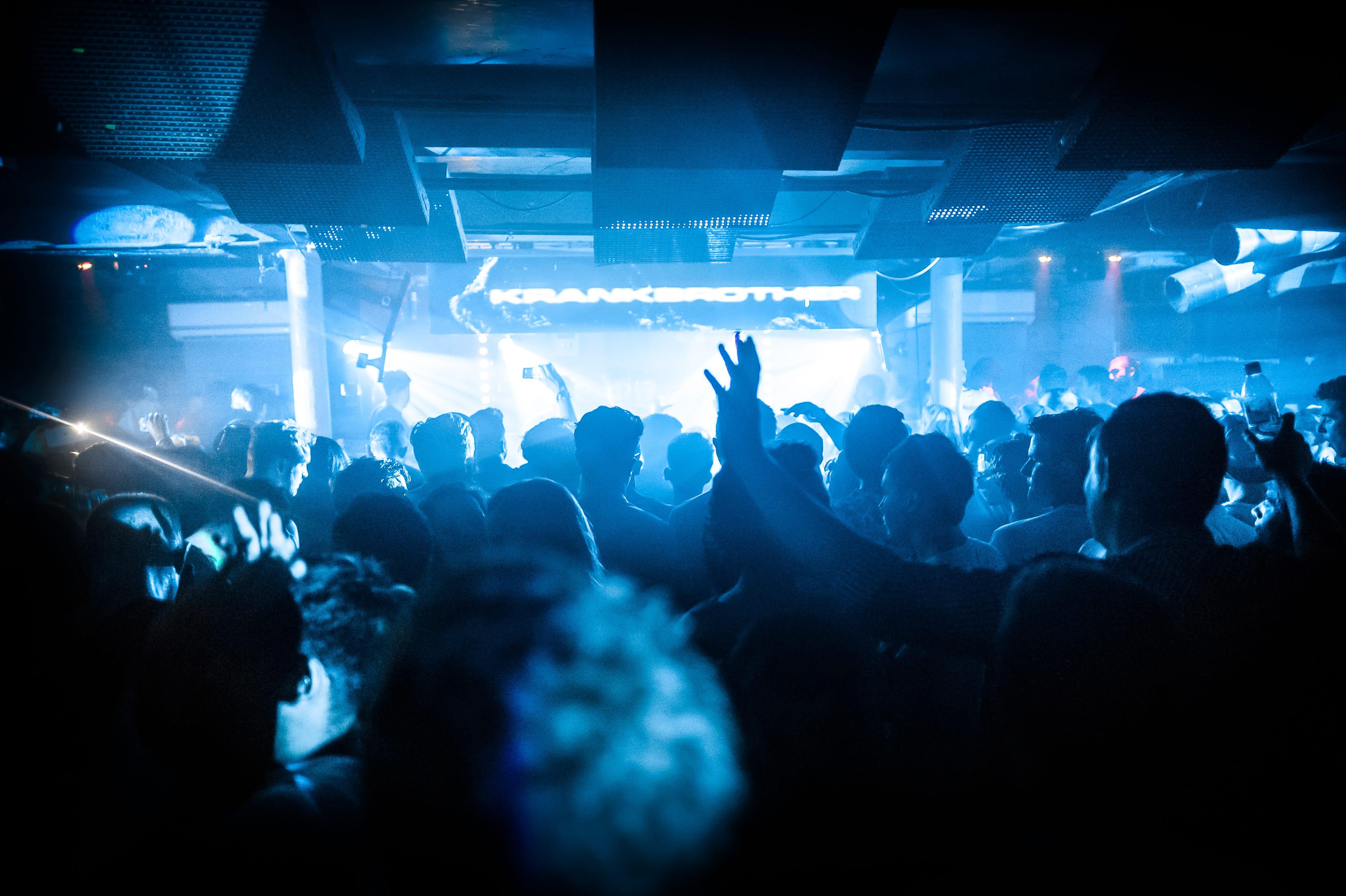 Der Club mit seiner beeindruckenden Licht- und Soundanlage - Foto: Tom Horton
