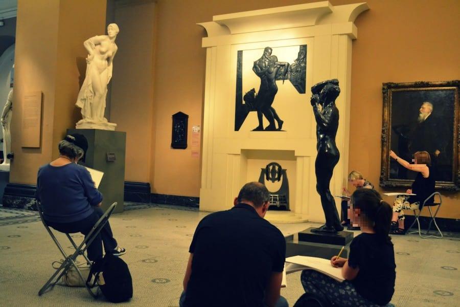 Hier kommen die Menschen auch her, um selber Kunst zu machen. Wirklich ein toller Anblick!