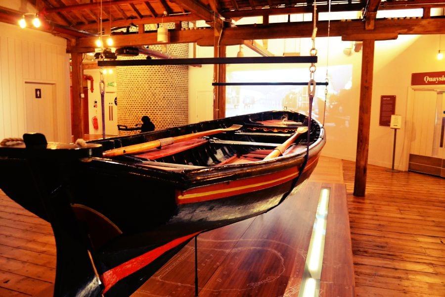 Ein altes Boot wie es in den Docklands früher häufig zu sehen war