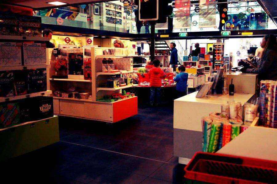 Der Shop des Museums, hier gibt es fast alles!