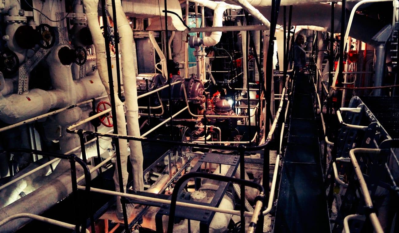 Die engen Gänge in den Maschinenräumen der HMS Belfast