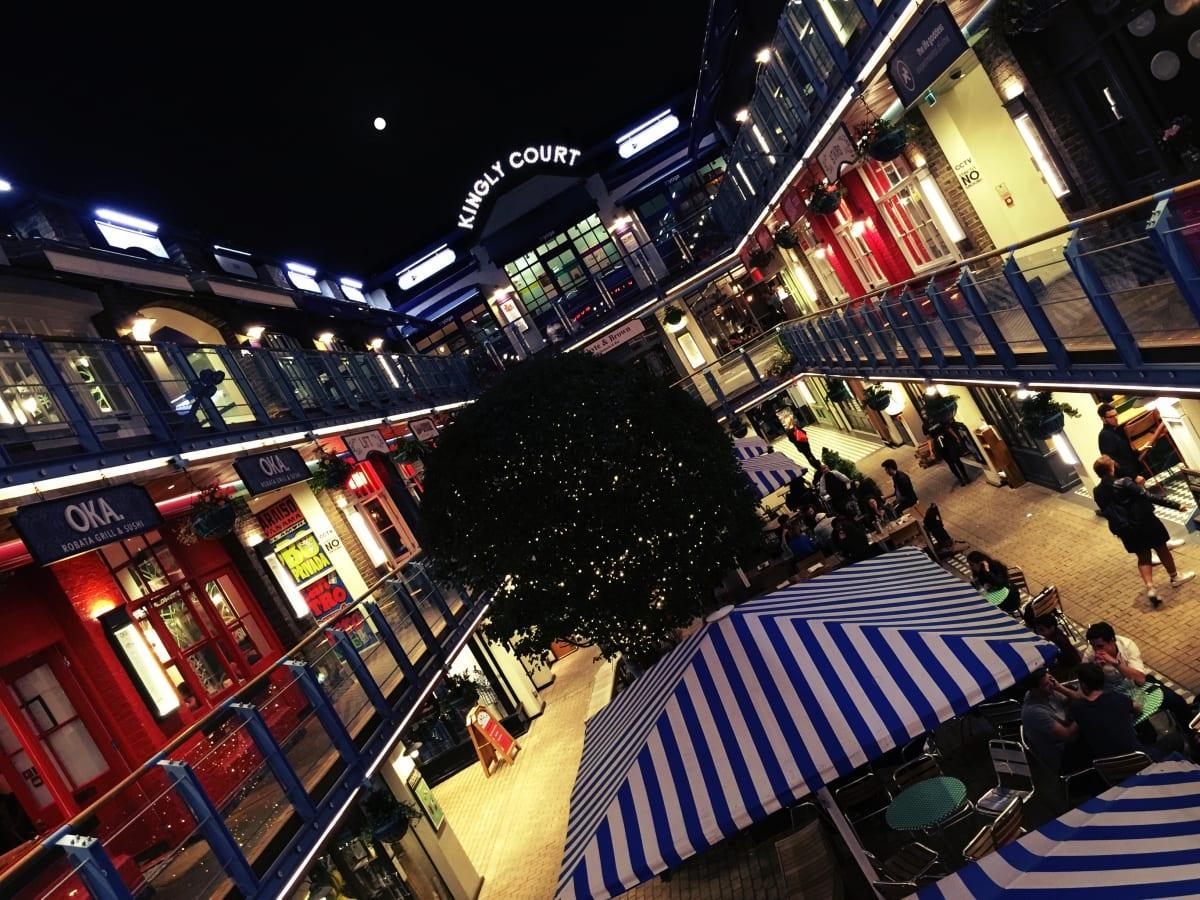 Perfekt gelegen im Kingly Court in Carnaby zwischen Piccadilly Circus und Oxford Circus