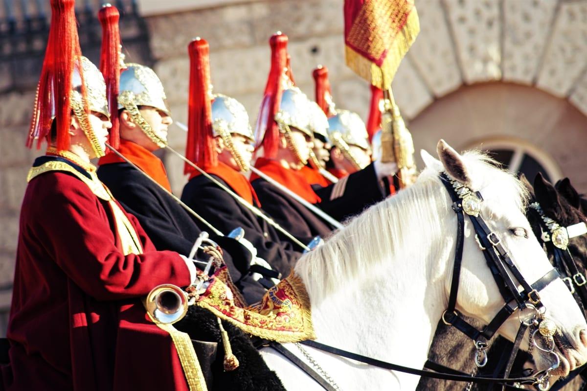 changing-the-guard-wachabloesung-london-10