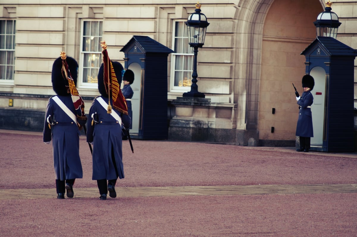 changing-the-guard-wachabloesung-london-3