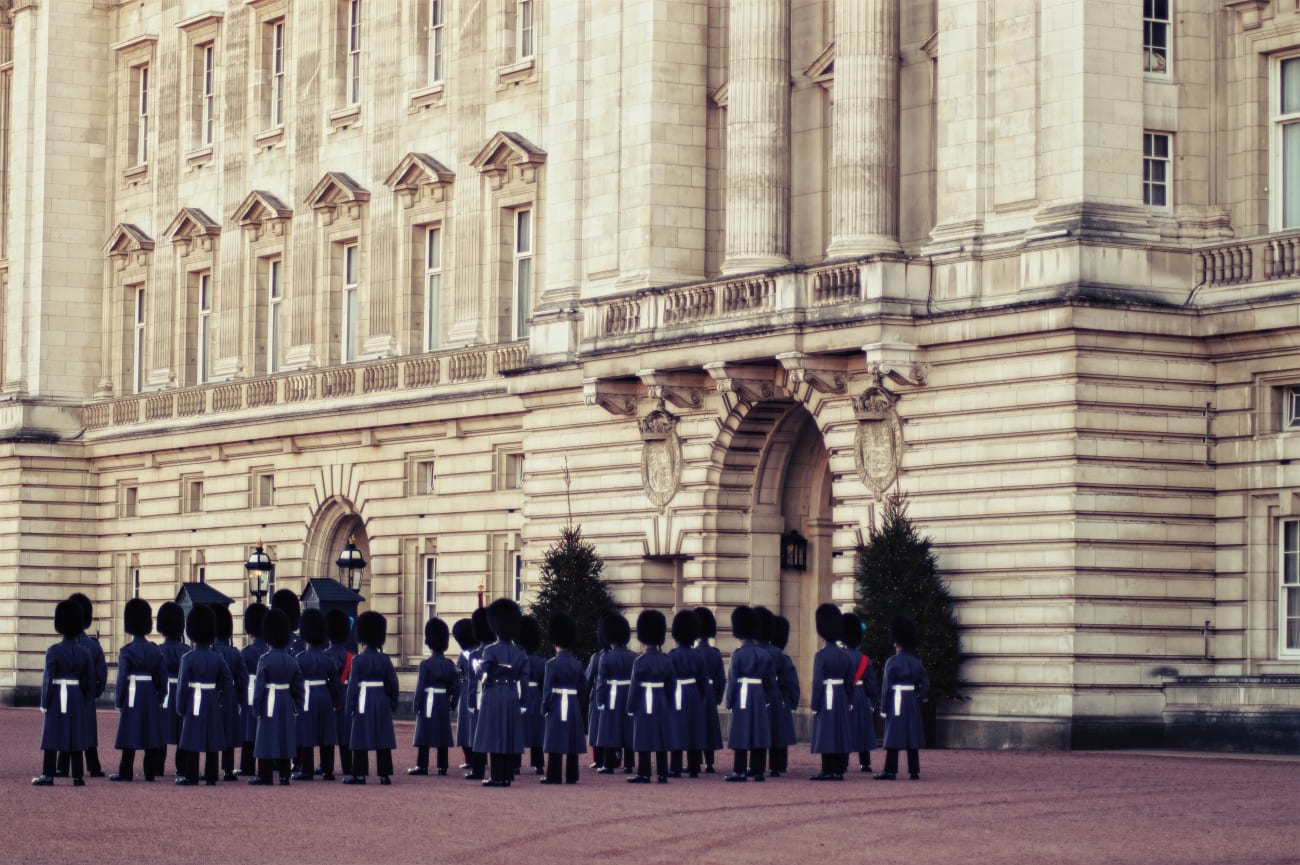 changing-the-guard-wachabloesung-london-7