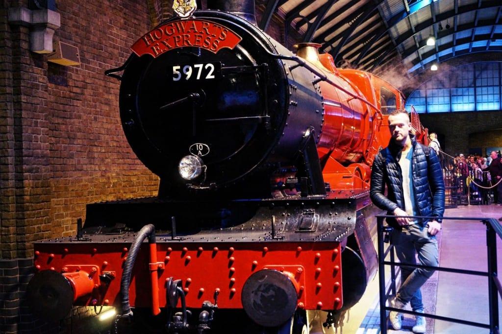 Ich mal wieder vor dem Hogwarts Express