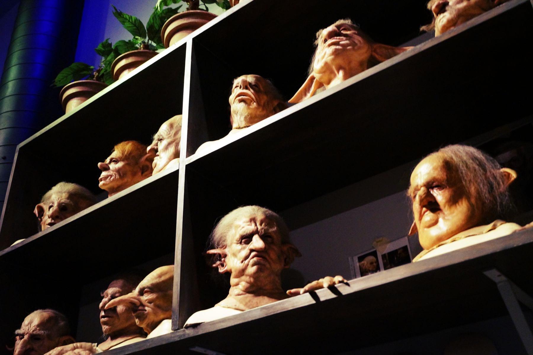 Einige Masken der Kobolde aus der Bank