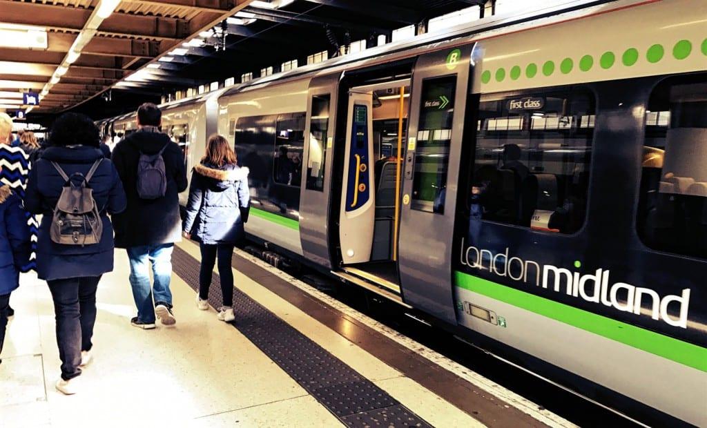 Dann steigst Du in den London Midland Zug ein und steigst in Watford Junction wieder aus