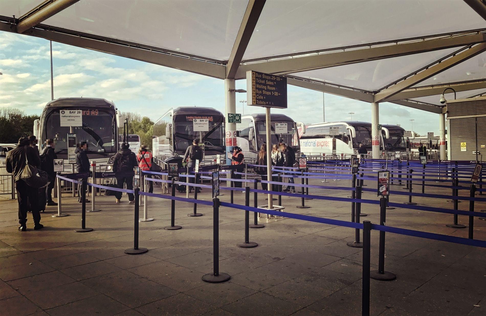 bushaltestellen-stansted-airport