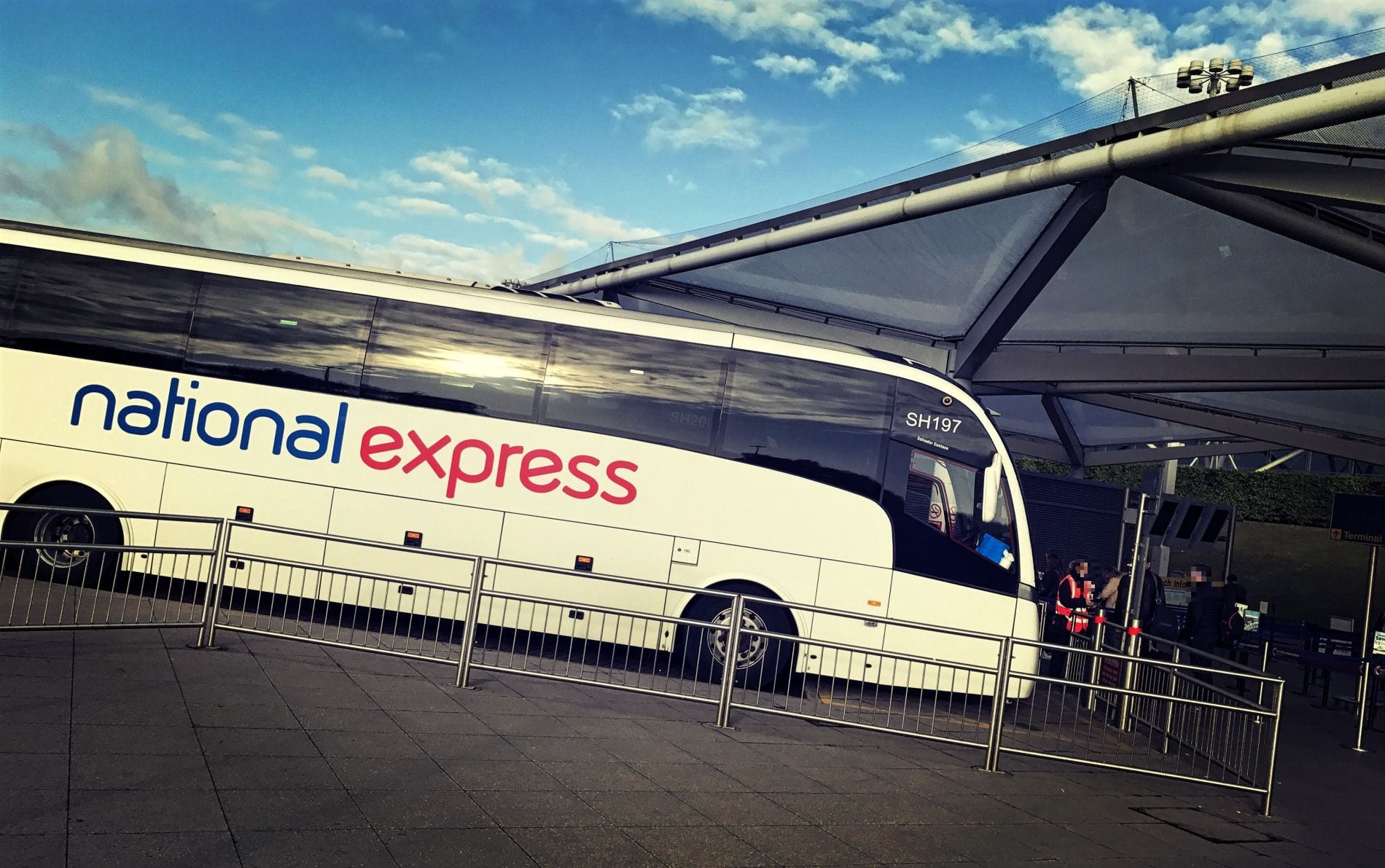 national-express-bus-stansted-london