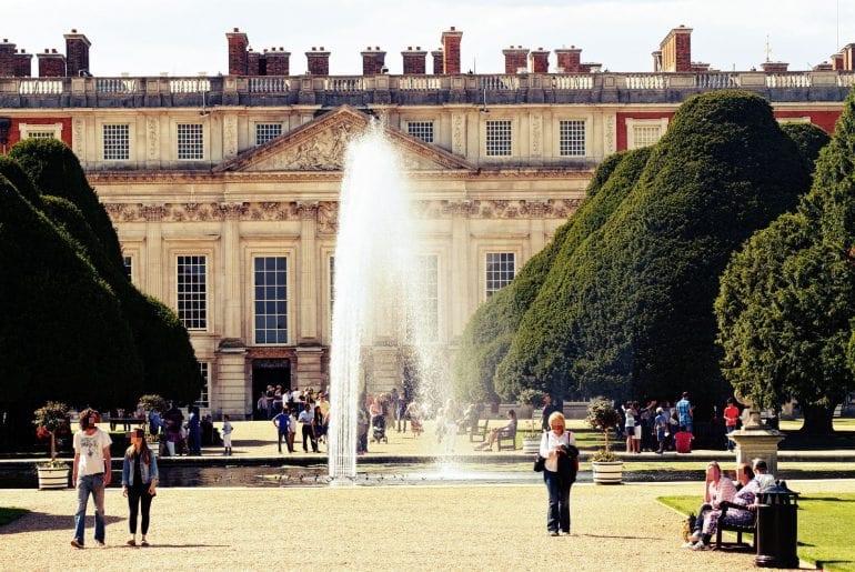 hampton-court-palace-london-770x515-1.jpg