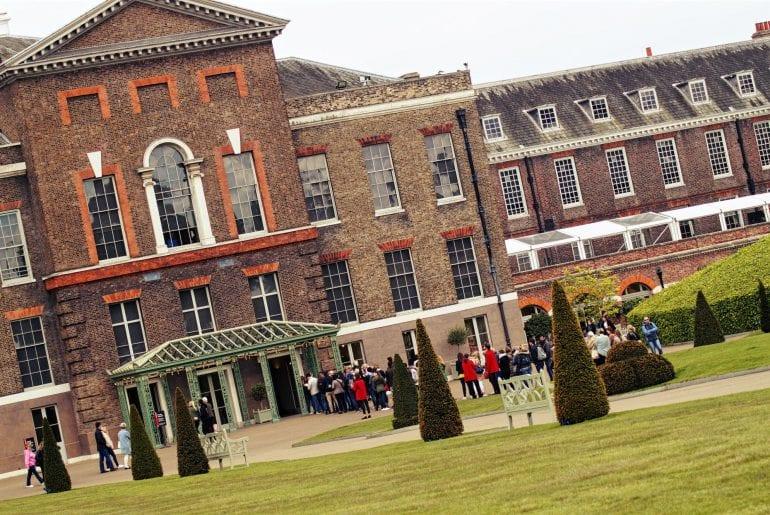 kensington-palace-london-lady-diana-wohnsitz-770x515-1.jpg